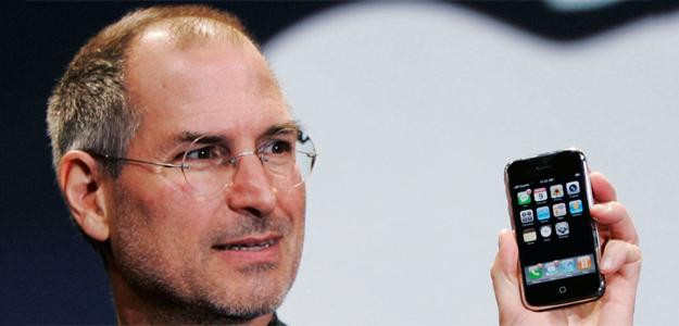 steve-jobs-first-iphone-launch-625x300